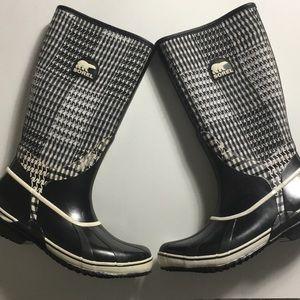 Sorel • Houndstooth Wellington Rain Boots
